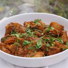 This Muslim Girl Bakes: Our House Pakistani Chicken Curry. Halal Recipes, Curry Recipes, Indian Food Recipes, Asian Recipes, Cooking Recipes, Ethnic Recipes, Indian Foods, Indian Dishes, Spicy Recipes