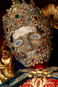 19 bejeweled skeletons