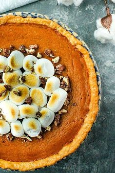 The BEST old fashioned pumpkin pie recipe! Make it easy with canned pumpkin puree, sweetened condensed milk and lots of seasonal spices. #mustlovehomecooking Old Fashioned Pumpkin Pie Recipe, Best Pumpkin Pie Recipe, Pumpkin Recipes, Fall Crockpot Recipes, Easy Pie Recipes, Fall Recipes, Dessert Recipes, Pumpkin Custard, Pumpkin Puree