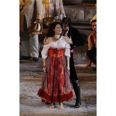 Arena di Verona. 2010.  Carmen (Anita Rachvelishvili) Escamillo (Mark S. Doss) www.arena.it
