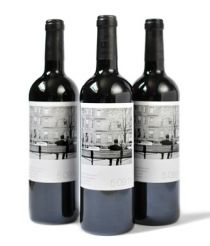 Custom wine labels - great for table top wine bottles, use engagement photos=champagne or beer labels...