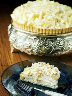 Pastel de chocolate blanco y crema de banana. White chocolate banana cream pie.