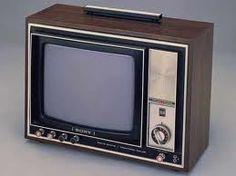 A Compaq Sony Trinitron flat screen CRT monitor Radio Vintage, Vintage Tv, Tvs, Vintage Television, Television Set, Radios, Cool Things To Make, Old Things, Tv Retro