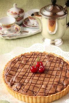 La Cuoca Dentro: Crostata frangipane con cioccolato e ciliegie