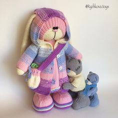 #вязаныйзаяц #амигуруми #amigurumi (Автор идеи Бэла Макаева) Crochet Bunny Pattern, Crochet Rabbit, Crochet Mouse, Knit Or Crochet, Crochet Baby, Crochet Patterns, Knitted Dolls, Crochet Dolls, Amigurumi Patterns