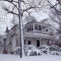 * Abandoned house in Milwaukee.