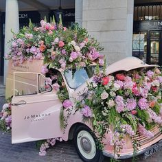 Floral Boom By: Fashion Fashionist Design Fashions Statement Ideas Gifts Dress Clothes Hats Comfort Men Women Girls Boys Shirts Pants Slacks Prom Pictures Photos Wedding Decor, Image Deco, Lebanese Wedding, Le Palais, Welcome Spring, Jo Malone, Chelsea Flower Show, Prom Pictures, Covent Garden