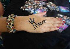 Simple Henna Tattoo, Henna Tattoo Designs, Mehandi Designs, Henna Mehndi, Henna Art, Mehendi, Mehndi Designs For Fingers, Latest Mehndi Designs, Finger Henna