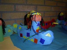 * Kano met een indiaan van een wc rolletje School Art Projects, Art School, American Indians, Native American, Thanksgiving Arts And Crafts, Indian Theme, Indian Crafts, Crafts For Kids To Make, Native Indian