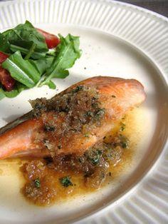 鮭ムニエルのアンチョビバター