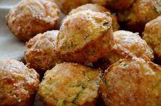 Bramborové muffiny se slaninou a libečkem - TASTE Actually Food And Drink, Veggies, Cupcakes, Cooking, Breakfast, Ethnic Recipes, Kitchen, Morning Coffee, Vegetable Recipes