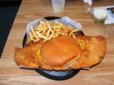 30 Things To Know Before You Move To Indianapolis pork tenderloin sandwiches
