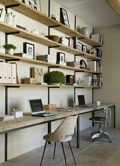 étagère en bois avec bureau