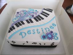 The client wanted a piano themed cake. I was given very little notice so this is is what I came up with. Deco Cupcake, Cupcake Cake Designs, Piano Cakes, Music Cakes, Birthday Sheet Cakes, 80 Birthday Cake, Cupcakes, Cupcake Cakes, Violin Cake