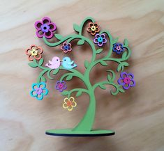 Árbol decorativo por Angélica Tamayo Wooden Staff, Wood Crafts, Diy Crafts, Cnc Cutting Design, Crafts For Kids, Arts And Crafts, Country Paintings, Scroll Saw Patterns, Jewelry Stand