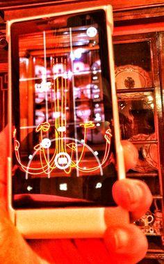 """Chandelier de María José Gutiérrez para la exposición """"Diálogo Entre Dos Épocas"""" organizada por Product Design Madrid en el Museo Nacional de Artes Decorativas."""