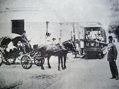 En la Caracas del ayer  el transporte era en tranvía o en caballos.
