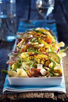 Meidän lempisalaatti! Feta-avokado-pastasalaattia ja broileria | Salaatit | Pirkka