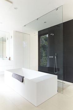 How to get the Minimalist Modern Aesthetic in Your Bathroom via Simply Grove