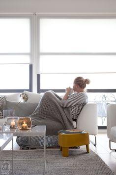 Plektra Kaupallinen yhteistyö: Iittala Tästä alkaa tulla jo tapa, että joka syksy odotan innolla Iittala Interior -sarjan uutuustuotteita. Vakka-laatikot, Aitio-hyllyt ja Lantern sekä Leimu-valaisimet ovat… Modern Interiors, Stay At Home, Small Things, Living Room Interior, Interior Inspiration, Accent Chairs, Interior Design, Furniture, Home Decor