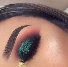 Makeup: how to make up her brown eyes? - make up - Makeup Glam Makeup, Cute Makeup, Gorgeous Makeup, Pretty Makeup, Skin Makeup, Makeup Inspo, Makeup Ideas, Teal Eye Makeup, Makeup Tutorials