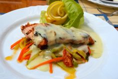 Somon pe pat de legume cu sos butter lemon la Hotel Restaurant Senator, Timișoara