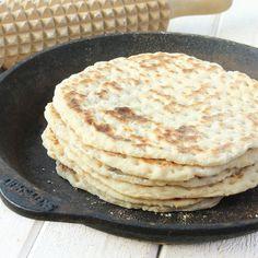 3-minuters tunnbröd – Lindas Bakskola Bread Recipes, Cooking Recipes, Fika, Bread Baking, Rolls, Food And Drink, Breakfast, Ethnic Recipes, Desserts