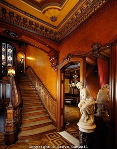 Governor Henry Lippitt mansion, Providence, RI victorian interior Hope Street staircase with leather walls Victorian Interiors, Victorian Design, Victorian Decor, Victorian Architecture, Vintage Interiors, Beautiful Architecture, Victorian Gothic, Victorian Homes, Architecture Details