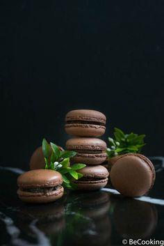 Chocolate Macaroons, French Macaroons, Mumbai Street Food, Macaron Cookies, Types Of Cakes, My Best Recipe, Homemade Chocolate, Melting Chocolate, Recipes