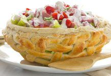 Weave yourself an Easter pretzel bread basket! Then, serve up a bright, crisp butter lettuce salad inside. This recipe is perfect for holiday hosting. Whipped Pudding Recipe, Pretzel Bread, Steak Rolls, Lettuce Salad Recipes, Bread Bowls, Easter Recipes, Easter Food, Easter Table, Salad Ingredients
