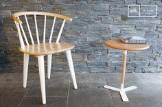 Deze eetkamerstoel is comfortabel en stijlvol. Combineer deze stoel met een houten eettafel. Perfect voor in een modern of Scandinavisch interieur.