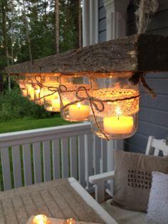 Heippa! :) Pinterestistä löysin kiva toteuttamisen arvoisen idean!:) Lasipurkeista, narusta ja vanhasta laudasta syntyi DIY-kynttelikkö ter...