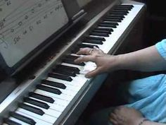 Clases de piano Lección 13 escalas mayores sostenidos piano - YouTube
