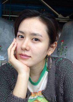 Facial cleansing tips of top 5 Korean female celebrities with flawless skin Korean Star, Korean Girl, Korean Actresses, Korean Actors, Korean Beauty, Asian Beauty, Natural Beauty, Asian Woman, Asian Girl
