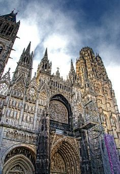The Cathedral of Notre-Dame of Rouen ~ Rouen ~ Normandy ~ France Beautiful Buildings, Beautiful Places, Places To Travel, Places To See, Places Around The World, Around The Worlds, Duomo Milano, Architecture Classique, Die Renaissance