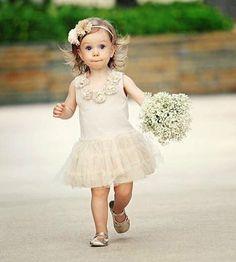 Girls Dresses, Flower Girl Dresses, Wedding Dresses, Flowers, Fashion, Valentines Day Weddings, Fotografia, Girl Clothing, Dresses Of Girls