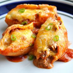 Mexican Stuffed Shells by thewaytohisheartblog: Comfort food which is freezer friendly. #Pasta #Mexican