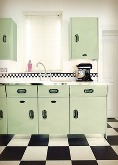 1950s classic: a new old English Rose kitchen