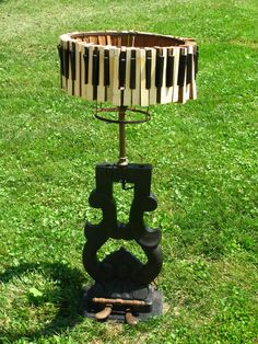 Recycled pianos | piano lamp lighting design recycle recycling
