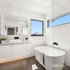 #bathroomdesign #highlightwindows #freestandingbath #hamptonshomes #hamptonsdesign #hallharthomes #hallandharthomes