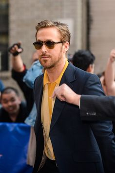 Even Dogs Can't Help But Flock to Ryan Gosling on the Street