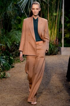 Hermès | Spring 2014 Ready-to-Wear Collection | Style.com linen suit