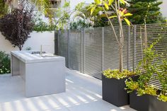 The B House project of Tal Goldsmith Fish design studio is offering us beautiful interior landscape and picturesque angles of the decor. Outdoor Dining Furniture, Outdoor Living, Office With A View, Solar Licht, Glass And Aluminium, Kitchen Colour Schemes, Color Schemes, Backyard Kitchen, Backyard Pool Designs