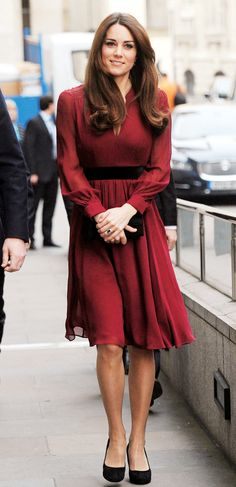 Style Icon: Duchess Kate Middleton's best looks of 2013 – The Express Tribune… Kate Middleton Outfits, Looks Kate Middleton, Estilo Kate Middleton, Princess Kate Middleton, Princess Wedding Dresses, Modest Wedding Dresses, Dress Wedding, Princess Hair, Bridesmaid Gowns