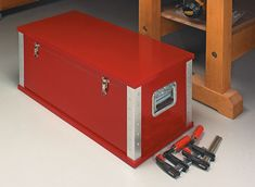This heavy-duty tool chest has lots of handy storage and great organization — with an easy-to-build, lightweight design.