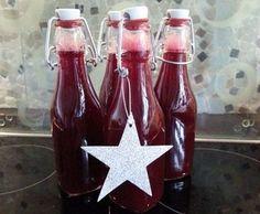 Einhorn Pipi (nicht nur für uns Mädels!) Diesen Likör habe ich als giveaway für unsere Silberhochzeit gemacht. Kam einfach super an!! Hot Sauce Bottles, Super, Giveaway, Cocktails, Drinks, Lemonade, Food And Drink, Monsieur, Image