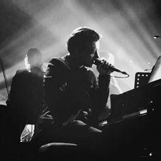 2016 09 23 Benjamin Biolay en concert. Première soirée de réouverture de la Salle Pleyel à Paris How To Better Yourself, Concert, Gentleman, Hollywood, Palermo, Music, Paris, Concerts, Muziek