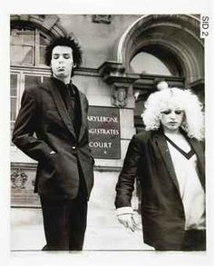 Sid and Nancy leaving courthouse