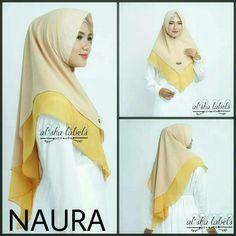 Naura Alsha Khimar 2Tone 45rb Naura 2Tone berbahan sifon kombinasi double layer kombinasi dua warna . Pad Antem. Hijab Dress, Hijab Outfit, Abaya Fashion, Muslim Fashion, Hijab Mode, Instant Hijab, Hijab Chic, Jeans Bleu, Neck Scarves