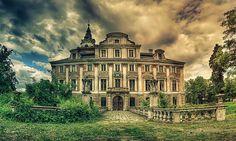 Haunted Manor by Pati Makowska on 500px